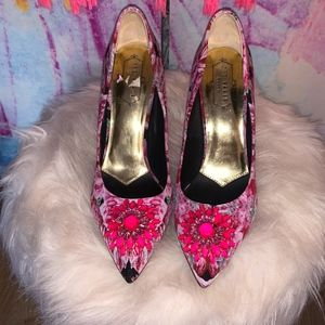 Ted Baker Pink Floral Pumps with Brooch Size 9/39